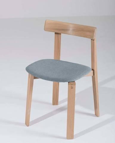 Jídelní židle z masivního dubového dřeva s modrošedým sedákem Gazzda Nora