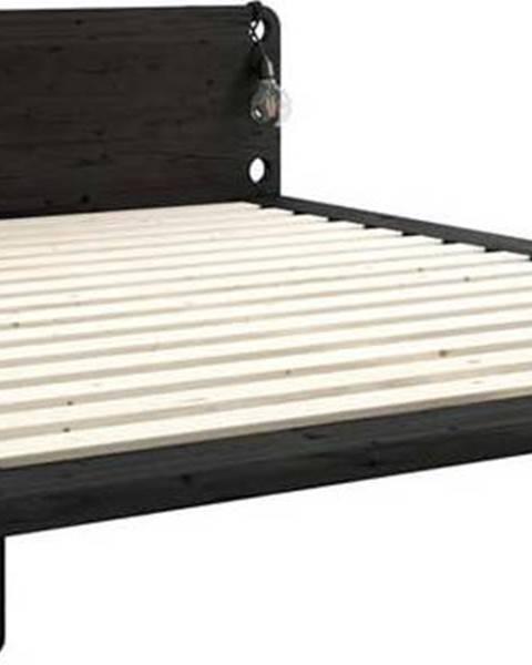 Karup Design Černá dvoulůžková postel z masivního dřeva s lampami Karup Design Peek, 180 x200cm
