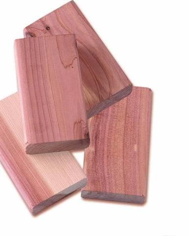 Sada 4 bloků z cedrového dřeva do šatní skříně Compactor
