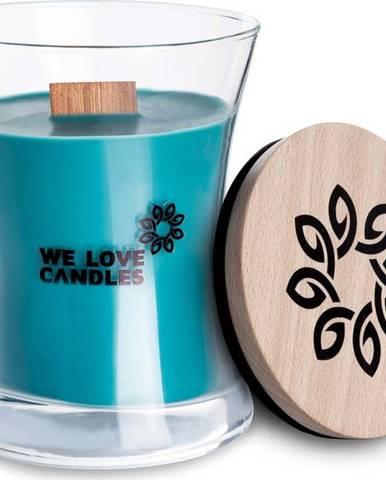 Svíčka ze sójového vosku We Love Candles Frosted Forest, doba hoření 21 hodin