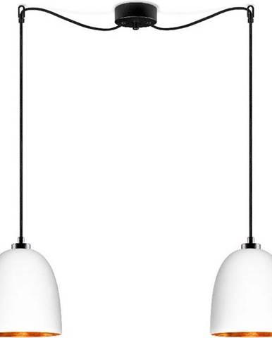 Bílé dvouramenné závěsné svítidlo s černým kabelem adetailem vměděné barvěSotto Luce Awa Matte