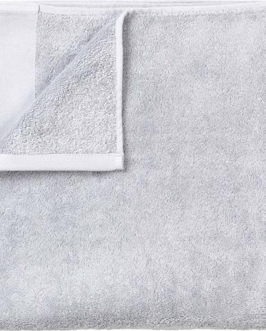 Světle šedá bavlněná osuška Blomus, 70x140cm
