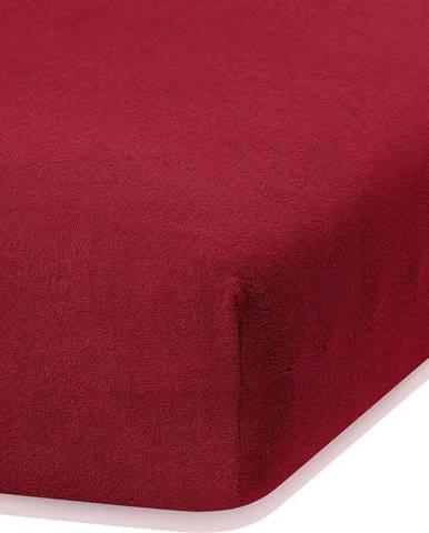 Tmavě červené elastické prostěradlo s vysokým podílem bavlny AmeliaHome Ruby, 140/160 x 200 cm